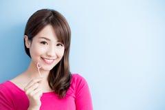 Зубочистка взятия женщины красоты Стоковое Фото