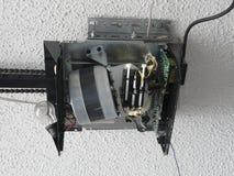 Зубчатая передача мотора консервооткрывателя двери гаража Стоковое фото RF