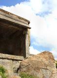 Зубчатая стена форта с предпосылкой неба Стоковые Фото