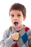 Зубы ребенка чистя щеткой Стоковое Изображение