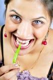 зябкий зеленый цвет девушки еды Стоковое Изображение RF