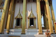 Здание архитектуры поляка и окна буддийское в nonthaburi Таиланде wat виска buakwan Стоковые Фото