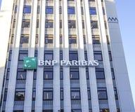 Здание банка BNP Paribas в Лиссабоне - ЛИССАБОНЕ - ПОРТУГАЛИИ - 17-ое июня 2017 стоковая фотография rf