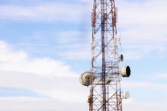 Здание башни радиосвязи или антенны Стоковая Фотография RF
