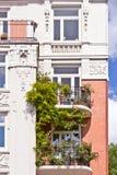 Здание балконов штукатурки старое Стоковое фото RF