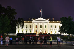 Здание Белого Дома с туристами в Вашингтоне, DC Стоковые Изображения