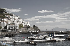 Здание владением побережья Амальфи с морем и небом Стоковая Фотография RF