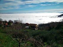 Здание в облаках Стоковые Изображения RF