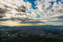 Здание города светлое в Сеуле Стоковое Фото