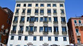Здание гостиницы в Венеции, Италии стоковое изображение rf
