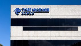 Здание и логотип кабеля Тайма Уорнера сток-видео