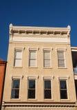 Здание камня Брайна с отделкой окна стоковая фотография