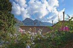 Здание камня деревни Fornalutx Стоковые Фото