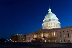 Здание капитолия США на ноче стоковая фотография rf