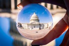 Здание капитолия DC Вашингтона до стеклянная сфера Perpsective Стоковые Фото