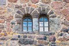здание кирпича украшает снаружи к используемому окну стены Стоковое Фото