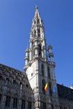 Здание муниципалитет Брюсселя/ратуша (Гостиница de Ville) в грандиозном месте Стоковые Фото