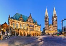 Здание муниципалитет и собор Бремена, Германии стоковое фото rf