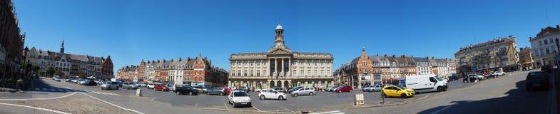 Здание муниципалитет Камбре стоковые фотографии rf