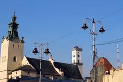 Здание муниципалитет Львова, висок и башня ТВ Стоковые Изображения