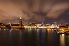Здание муниципалитет Стокгольма к ноча в ноябре Стоковые Фото