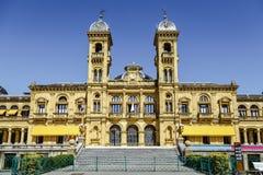 Здание муниципалитет Donostia San Sebastian Испании стоковая фотография rf