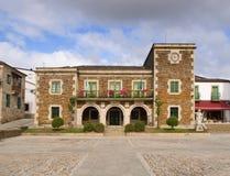 Здание муниципалитет Portomarin стоковые изображения