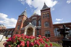 Здание Национального музея смитсоновск стоковая фотография rf