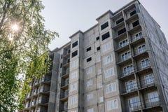 Здание нового дома мульти-этажа Россия Стоковые Фото