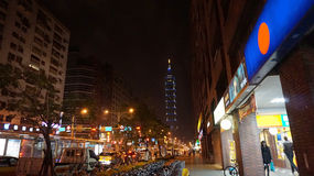 Здание ориентир ориентира Тайбэя 101 на ноче Стоковые Изображения RF