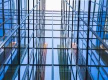 Здание стеклянного окна от perspectival взгляда стоковые изображения rf