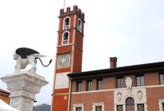 Здание с башней и, который подогнали лев в Marostica в Виченца в венето (Италия) Стоковое Изображение RF