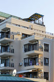 Здание с роскошными квартирами и террасами Стоковое фото RF