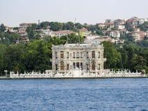 Здание Bosphorus Стамбула историческое Стоковые Изображения RF