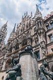 Здание Neues Rathaus в Мюнхен, Германии Стоковая Фотография RF