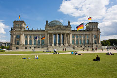 Здание Reichstag (Германского Бундестага) в Берлине: Немецкий парламент Стоковые Фотографии RF