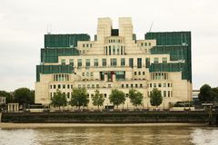 Здание SIS на кресте Vauxhall, Лондоне Стоковые Фотографии RF
