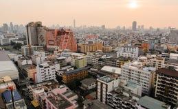 Здания в городе и sunset_02 Стоковое Изображение RF