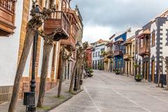 Здания в Calle реальном - Teror, Gran Canaria, Испания стоковые изображения