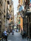 Здания и узкие улицы старого городка в Неаполь, Италии Стоковое Изображение RF