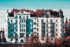 Здания и улицы около реки Влтавы в Праге, чехе Republi стоковое фото