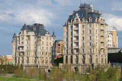 2 здания комплекса элиты жилых & x22; Embankment& x22 дворца; kazan Стоковые Фотографии RF