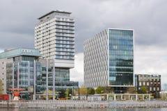 Здания на канале корабля Манчестера и район доков Salford в Великобритании Стоковые Фотографии RF