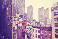 Здания на дождливый день, NYC центра города Манхаттана Стоковое фото RF