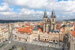 Здания на старой городской площади в Праге Стоковые Фотографии RF
