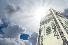 Здания небоскреба сделанные от банкнот доллара Стоковое фото RF