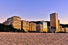 Здания пляжа Copacabana в утре Стоковое Изображение RF