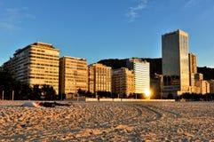 Здания пляжа Copacabana в утре Стоковое Фото