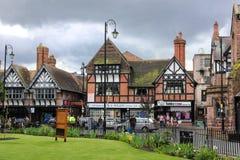 Здания Tudor в улице Werburgh. Честер. Англия Стоковые Фотографии RF