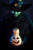 Злая ведьма с тыквой Стоковое Изображение